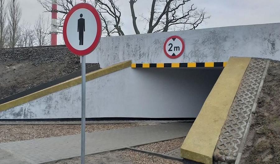 """W Słupsku PLK zbudowała tunel z zakazem ruchu. """"To się zmieni"""""""