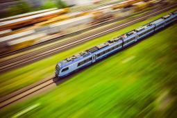 Biodegradowalne naczynia w pociągach PKP Intercity już w tym roku
