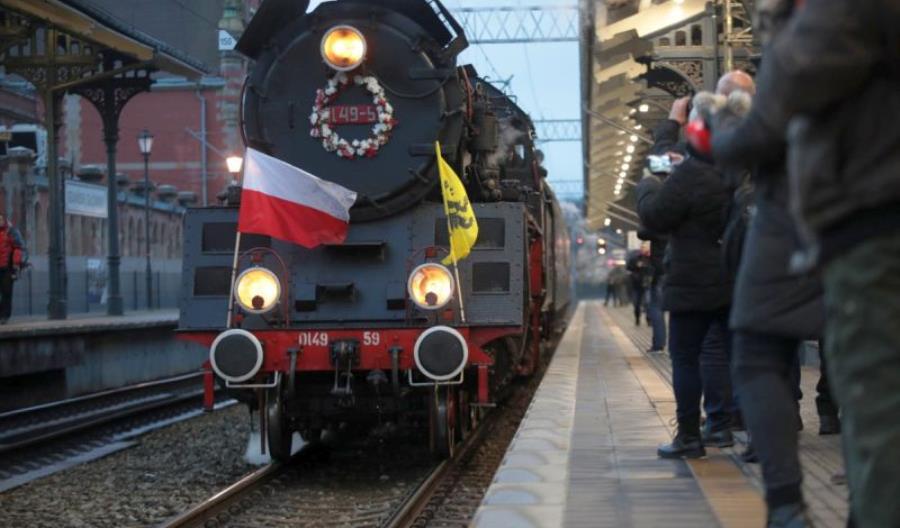 Pociąg z generałem Hallerem w ramach obchodów 100. rocznicy zaślubin Polski z morzem