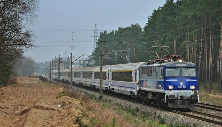 PKP Intercity z ofertami na modernizację EU07. Czy przyspieszenie lokomotyw się opłaca?