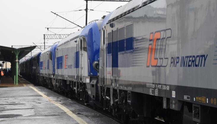 """Dopuszczenie dla lokomotywy elektrycznej typu E4DCU """"Griffin"""" dla PKP Intercity"""