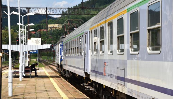 Nie nosisz maseczki w pociągu? Licz się z interwencją policji