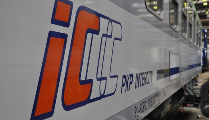 PKP Intercity chce zamówić 80 tysięcy maseczek