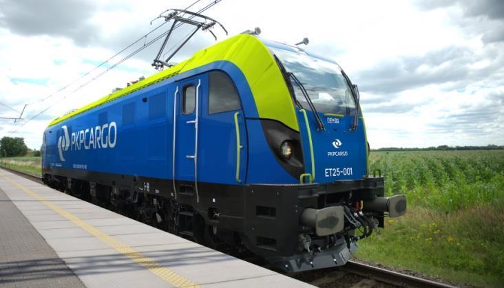 Bez ofert w przetargu na pięć wielosystemowych lokomotyw dla PKP Cargo