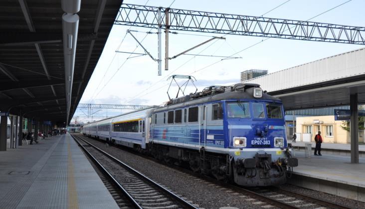 Ministerstwo zajmuje stanowisko w kwestii rozkładu jazdy na trasie Warszawa – Poznań