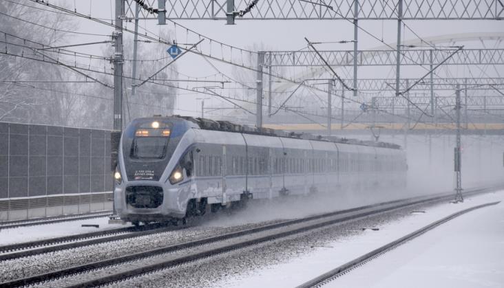 Posłanka pyta ministerstwo o zimowe problemy kolei