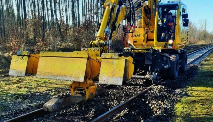 Postępują prace na linii 211 z Chojnic do Kościerzyny