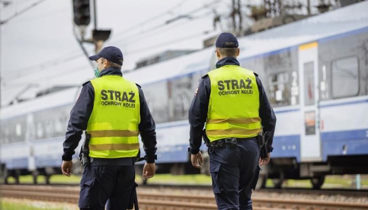Obrzucali pociągi kamieniami – zostali ujęci przez funkcjonariuszy Straży Ochrony Kolei