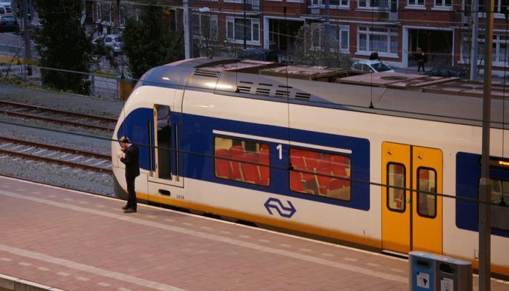 Brak dyżurnych ruchu zatrzymał pociągi w Holandii