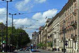 Kraków: ZUE przebuduje ulicę i tramwaj na Basztowej?