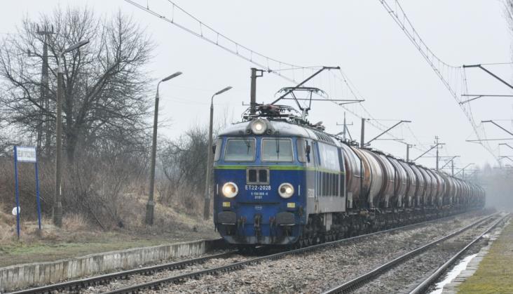 PLK prowadzi przetarg na remont linii z Radzic do Radomia