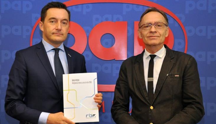 Biała Księga - Kolejowe Przewozy Pasażerskie 2016 opublikowana