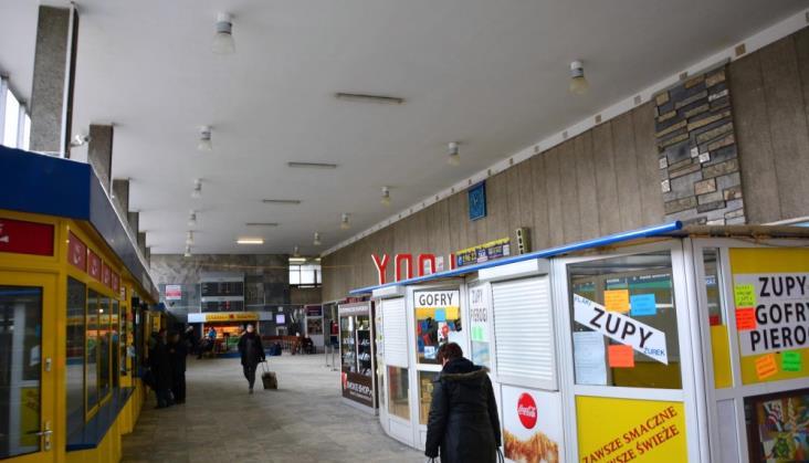 Jaki dworzec w Olsztynie i Skarżysku-Kamiennej?