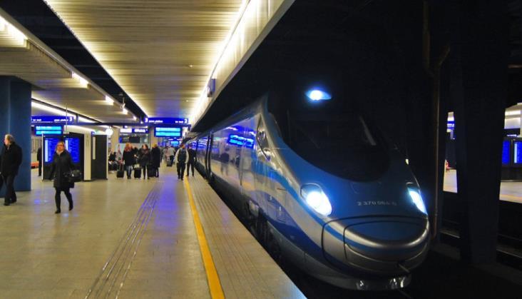 Kwiecień na kolei: Więcej połączeń i pasażerów