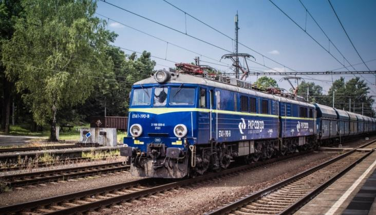 Mniejsze przewozy PKP Cargo w maju