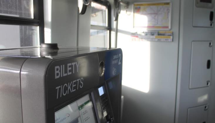 Koleje Dolnośląskie testują biletomaty w pociągach