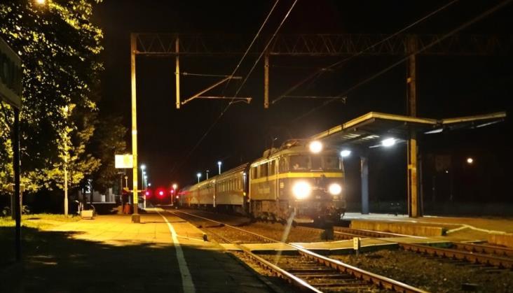 Kłopoty z wiatą peronową w Kościanie. Będą opóźnienia przy pracach na E59?