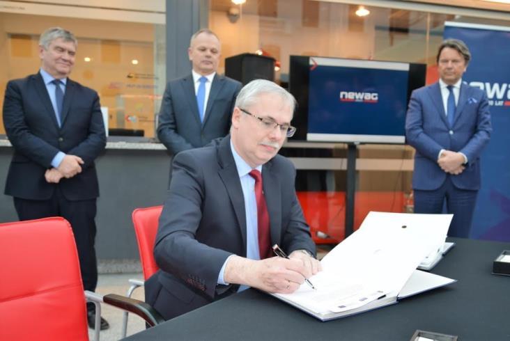 Umowa ŁKA i Newagu podpisana [zdjęcia]