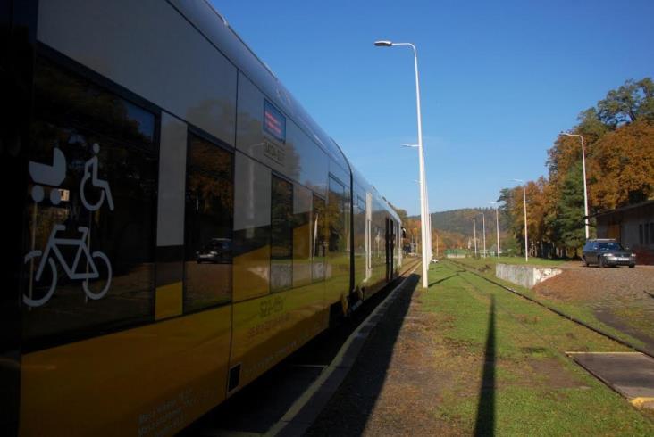 Ostatnie pociągi Jelenia Góra – Lwówek Śląski. Co stanie się z linią? [zdjęcia]