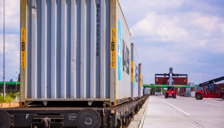 Połowa kontenerów w 2016 r. w Polsce jechała z PKP Cargo
