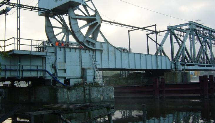 Podnoszony most na Regalicy awaryjny? PKP PLK zaprzeczają