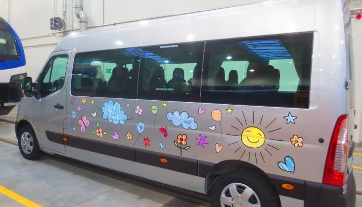 Stadler podarował dzieciom w Siedlcach autobus