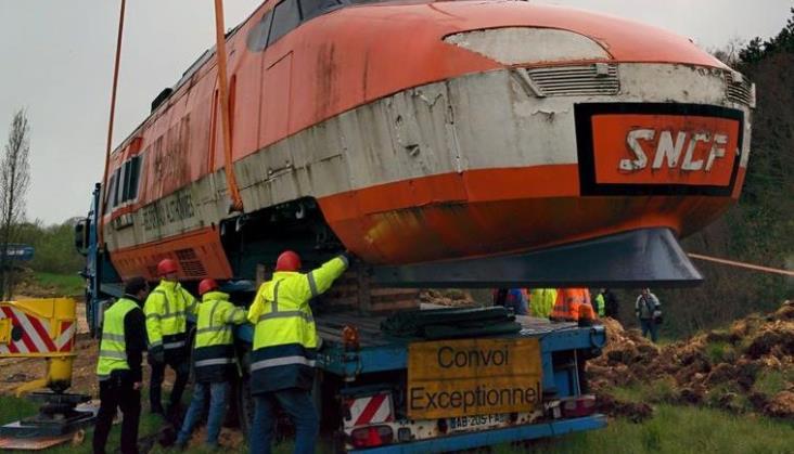 Francja: Ruszyła renowacja fragmentu historycznego pociągu TGV 001
