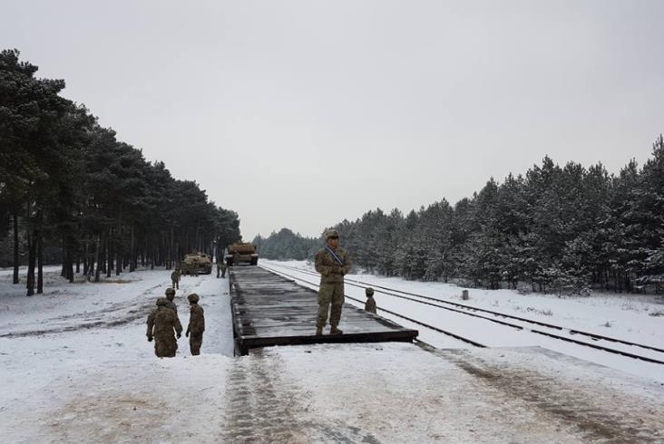 Amerykańskie czołgi dotarły do Polski koleją [zdjęcia]