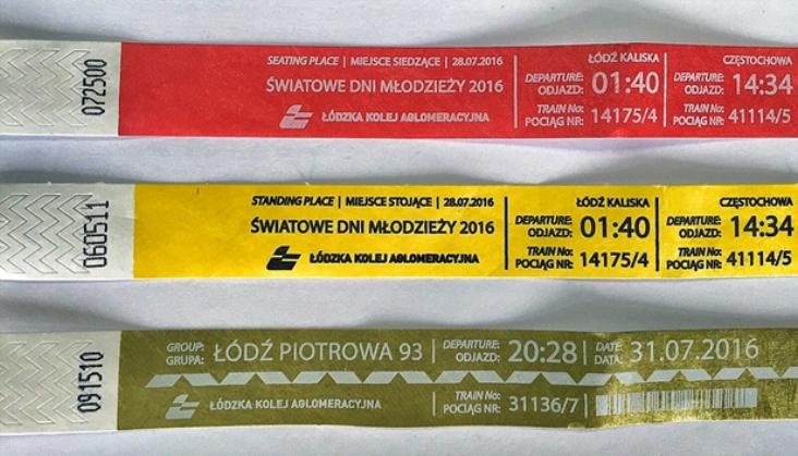 Specjalne opaski dla pielgrzymów pomogą znaleźć pociąg. To nowość na polskiej kolei