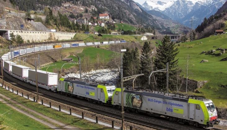 Lokomotywy Traxx Bombardiera dopuszczone do pracy w tunelu Gotarda