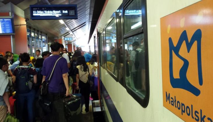 ŚDM: Pielgrzymi wracają z Krakowa. Ruszają pociągi specjalne [aktualizacja]