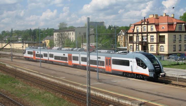 Ruszają wakacyjne pociągi z Kielc do Sandomierza