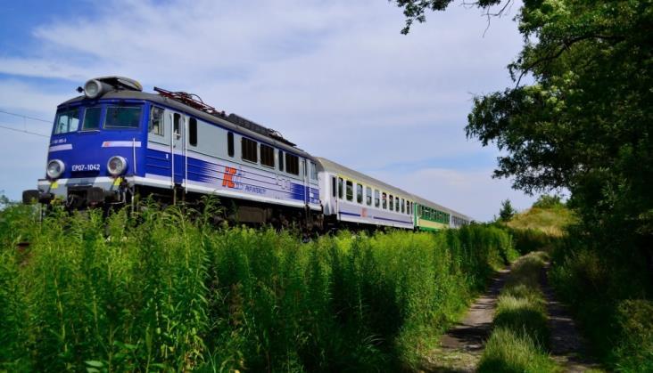 Dłużej poczekamy na nowe wagony dla PKP Intercity