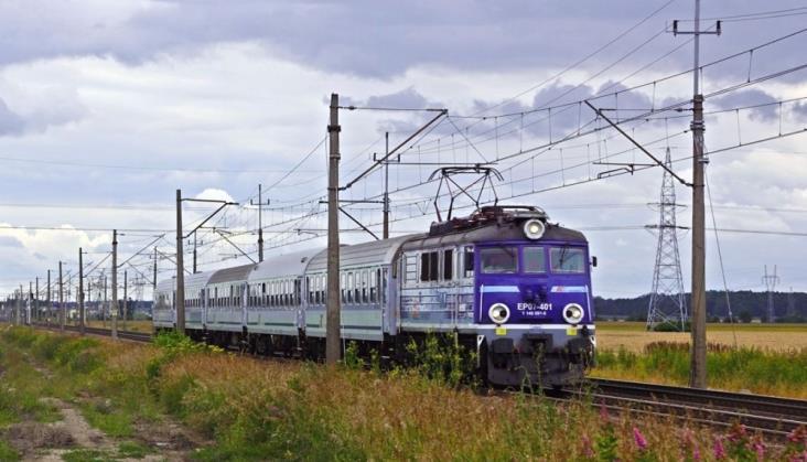 UTK bada sposób informowania o przesiadkach w pociągach PKP IC
