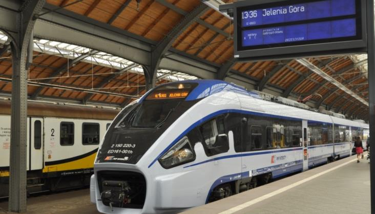 PKP Intercity podnosi i obniża ceny biletów. Gdzie jest taniej, a gdzie drożej?