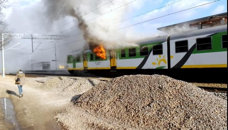 Spalony pociąg Kolei Mazowieckich wróci na tory
