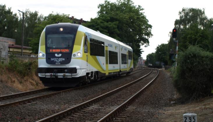 PLK naprawiła tory z Głogowa do Leszna, a pociągów i tak nie będzie