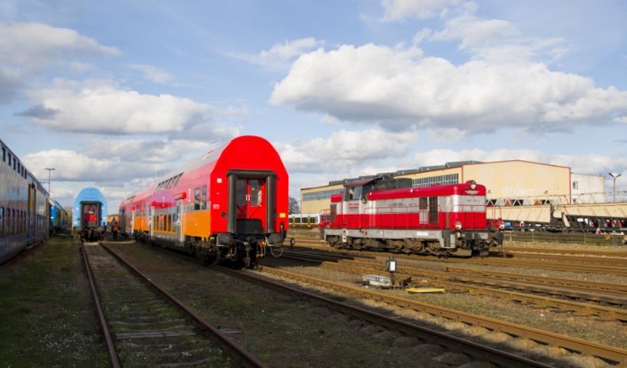 Piętrowe wagony w nowym malowaniu PolRegio [zdjęcia]