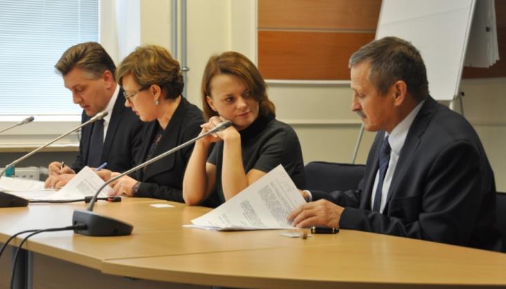 Ministerstwo Rozwoju dofinansuje Innowacyjne Centrum Badań i Rozwoju Pesy