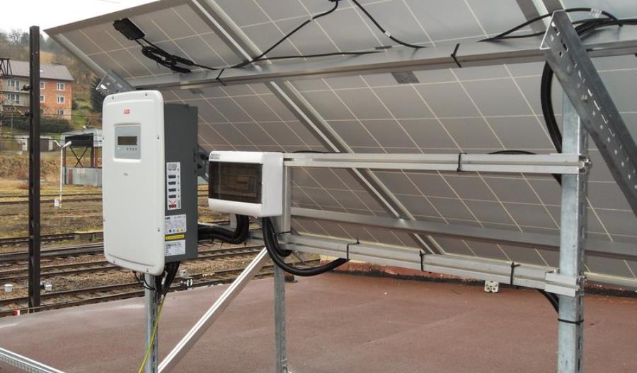 PKP PLK testuje instalacje fotowoltaiczne (zdjęcia)