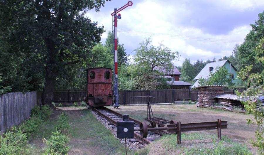 Maszynista KM buduje napodwórku skansen kolejowy