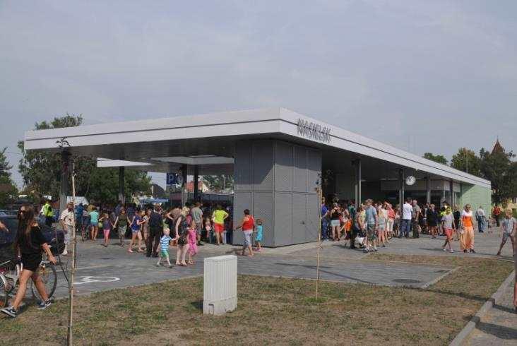Nowy Innowacyjny Dworzec Systemowy wNasielsku (zdjęcia)