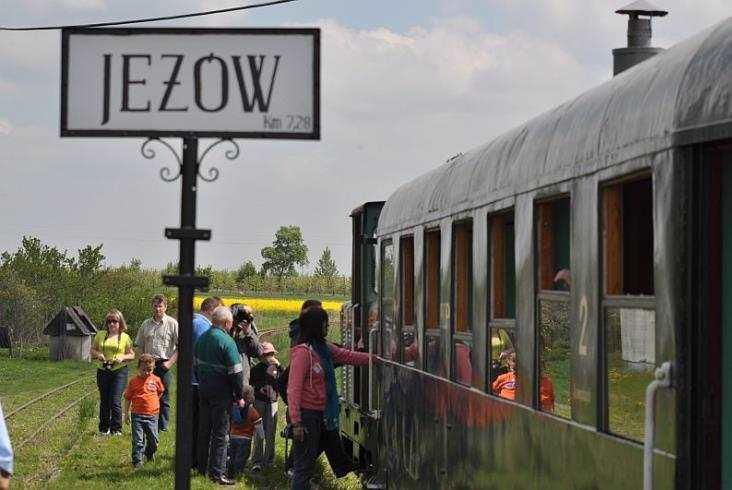 Pociągi turystyczne na Rogowskiej Kolei Wąskotorowej