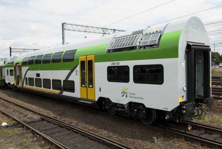 Pierwsze wagony piętrowe Pesy dla KM już natestach (zdjęcia)