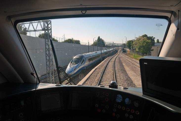 Pierwszy pociąg odPesy wjechał nalinię PKM
