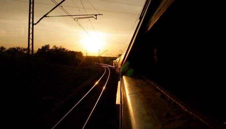 12 ofert na projekt modernizacji odcinka Sochaczew - Swarzędz