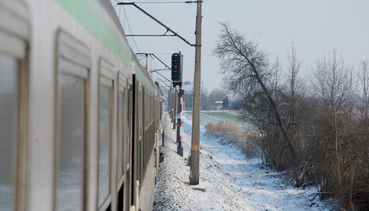 Mróz opóźnia iodwołuje pociągi. Liczne awarie nowego taboru