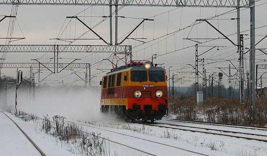 PKP Intercity zachowała historyczne barwy EP09 w ukłonie miłośnikom kolei