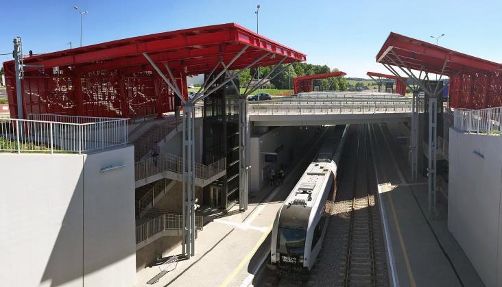 Polemika SKM w sprawie PKM: Preferencje pasażerów poznamy pouruchomieniu pociągów