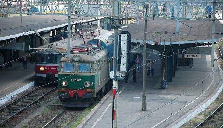 Poznań: Chuligański wybryk spowodował opóźnienia 25 pociągów